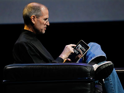 Steve Jobs Shows How It's Done